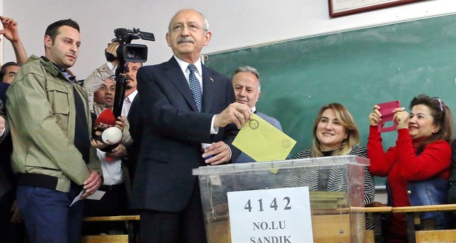 المحكمة الإدارية العليا في تركيا ترفض طعن حزب الشعب الجمهوري بالاستفتاء