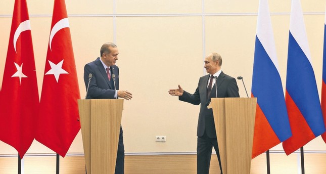 President Erdoğan (L) and Russian President Putin at a news conference following talks on the Syrian war, Sochi, May 3, 2017.