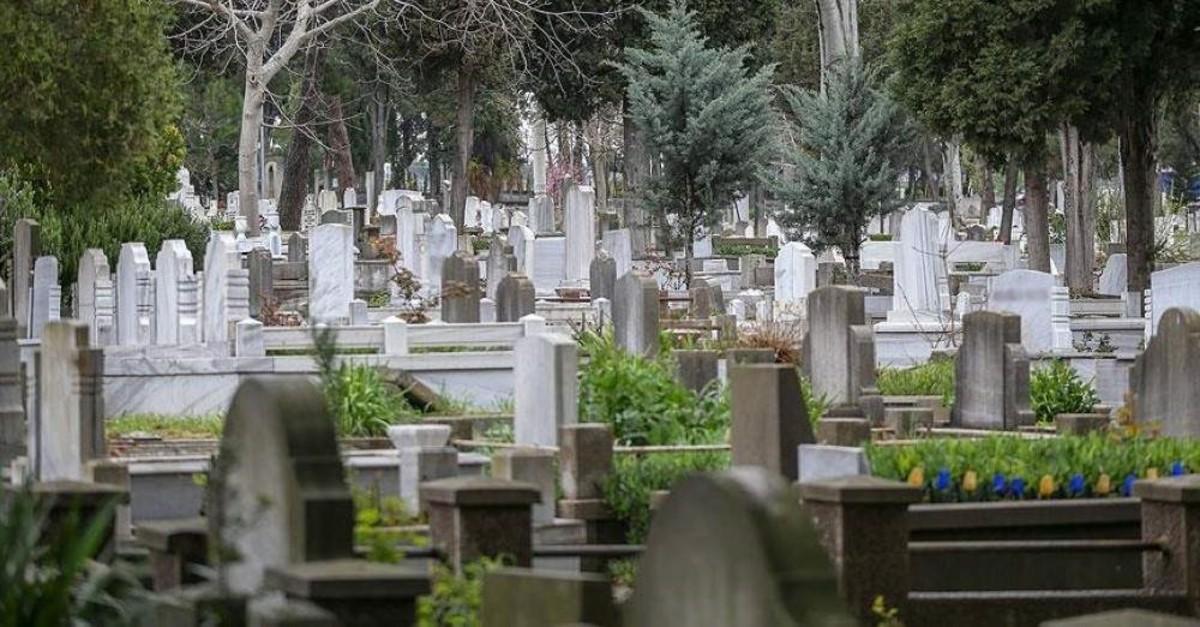 Istanbul's Karacaahmet cemetery. (AA Photo)