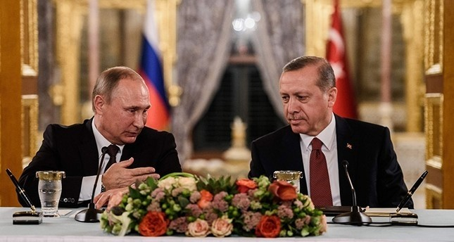 Russian President Putin speaks with President Erdoğan at a press conference in Istanbul on bilateral relations and the Syrian civil war, Oct. 10, 2016.