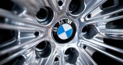 BMW schreibt im Autogeschäft Verlust