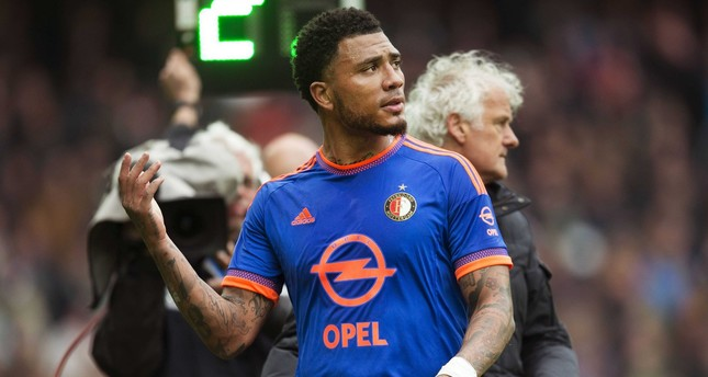 Feyenoord Rotterdam player Colin Kazim Richards is substituted during the Dutch Eredivisie match at Euroborg stadium in Groningen, The Netherlands, 26 April 2015. (EPA Photo)