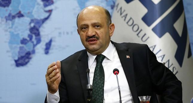 وزير الدفاع التركي: لنا الحق الكامل في التدخل إذا لم تنسحب ب ي د لشرق الفرات