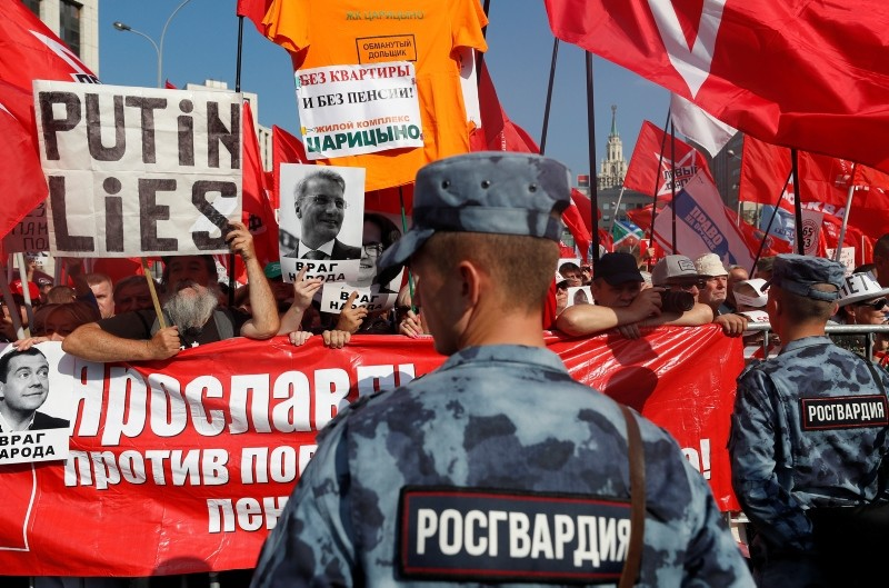 Russian communists take part in a protest rally against government's proposed pension reform plan in Moscow, Russia, 22 September 2018. (EPA Photo)