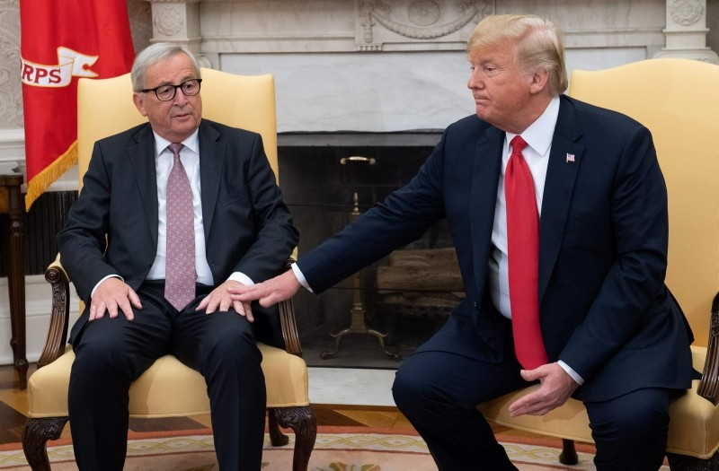 U.S. President Donald Trump meets with European Commission President Jean-Claude Juncker in the Oval Office of the White House in Washington, D.C., July 25, 2018. (AFP Photo)