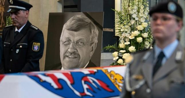 مراسم دفن وتأبين فالتر لويبكي المسؤول المحلي في مدينة كاسل (AP)