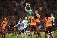 League-leader Galatasaray beats Beşiktaş 2-0 in Istanbul derby