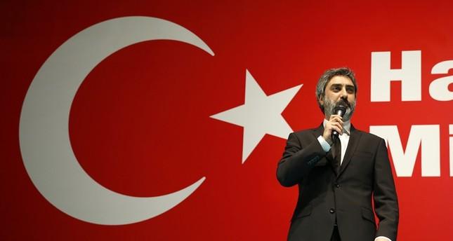 نجوم أتراك يتظاهرون رفضاً لمحاولة الانقلاب وتمسكاً بالإرادة الشعبية