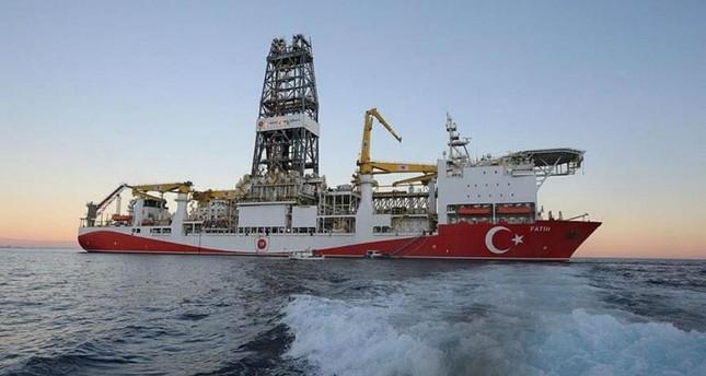 وزير الطاقة التركي يعلن استئناف سفينة الفاتح أعمال التنقيب في البحر المتوسط