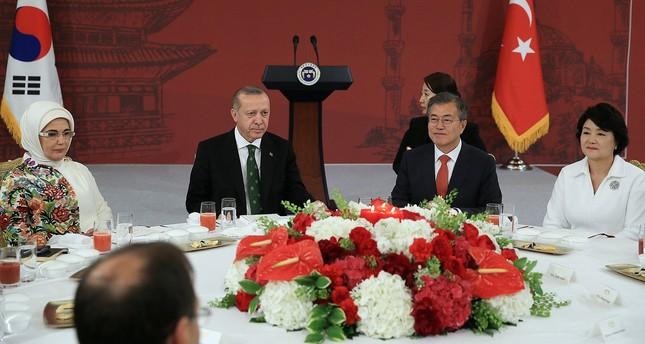 أردوغان يستقبل مسؤولي شركات كورية جنوبية في سول