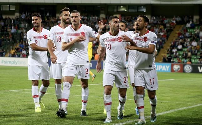 Turkey's Deniz Türüç (second from right) celebrate his goal against Moldova in a Euro 2020 qualifier, Chisinau, Sept. 10, 2019.