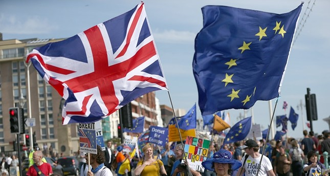 Pro-EU supporters take part in a protest against Brexit outside the Labour Party Conference in Brighton, Britain, 24 September 2017. (EPA Photo)
