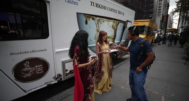 بيت القهوة التركية المتجول يبدأ رحلته في أمريكا من نيويورك
