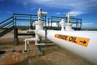 Russia, Saudi Arabia call to extend oil output deal