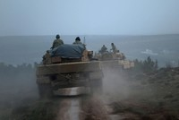 Laut einem am Mittwoch veröffentlichten Bericht befreiten die türkischen Streitkräfte zusammen mit den Truppen der Freien Syrischen Armee (FSA) zwei weitere Dörfer von dem syrischen PKK-Ableger...