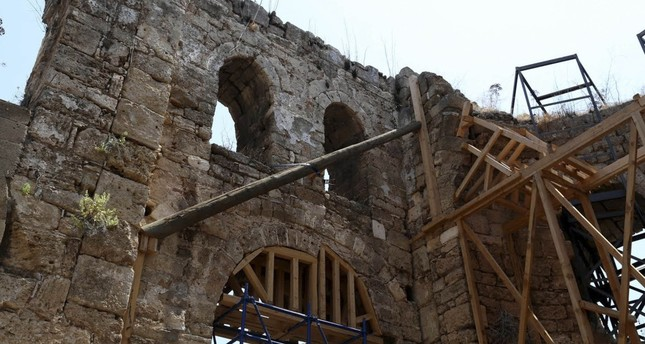 A special scientific team has been set up to ensure that the 800-year-old mosque remains in its original form.