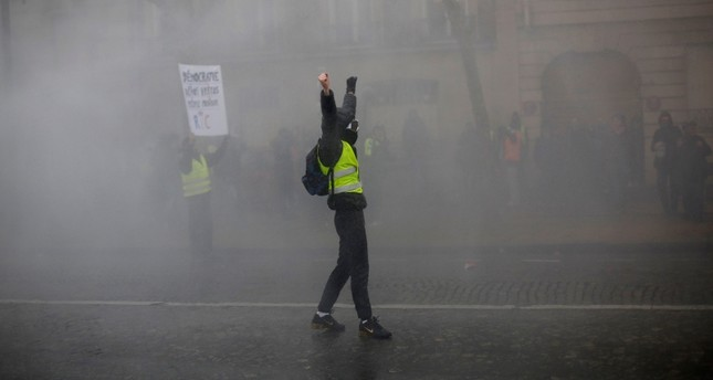French yellow vests protest despite Macron's outreach