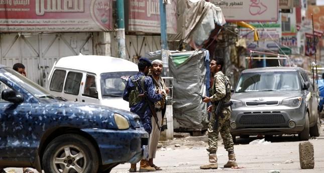 مقتل تسعة مدنيين في غارات ليلية في تعز اليمنية