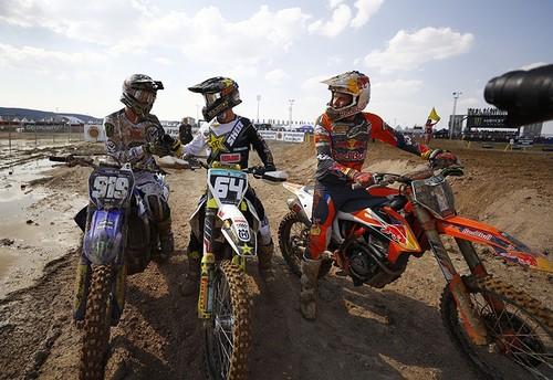 MX2 racers Pauls Jonass (R), Thomas Covington (C) and Ben Watson (L) (AA Photo)