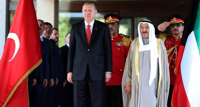 أردوغان وأمير الكويت يؤكدان عزمهما تعزيز العلاقات الثنائية