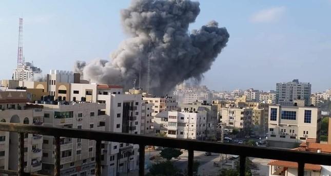 مقتل طفلين وإصابة 14 فلسطينياً في قصف إسرائيلي على وسط غزة
