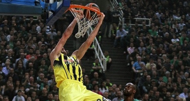 Fenerbahçe can become first team to advance into Final Four today