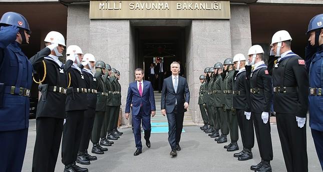 وزير الدفاع التركي يستقبل أمين عام الناتو