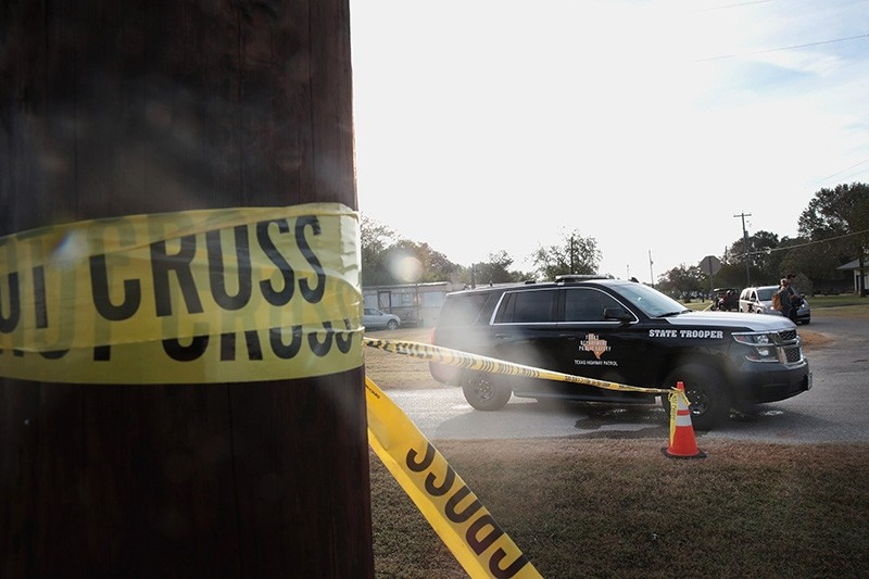 Law enforcement officials continue their investigation at the First Baptist Church of Sutherland Springs, Texas, Nov.6. (AFP Photo)