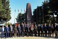 السفارة التركية في أذربيجان تحيي الذكرى الـ 103 لتحرير باكو بمقبرة الشهداء الأتراك بالعاصمة الأذربيجانية الأناضول