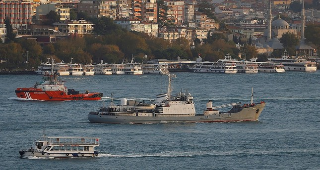 Russian Navy's reconnaissance ship Liman of the Black Sea fleet sails in the Bosphorus, on its way to the Mediterranean Sea, in Istanbul, Turkey, October 21, 2016. (Reuters Archive Photo)