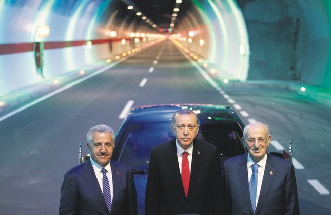 Transportation Minister Ahmet Arslan, President Recep Tayyip Erdoğan (C) and Parliament Speaker İsmail Kahraman attended the inauguration ceremony of the Ovit Tunnel, June 13, Rize.