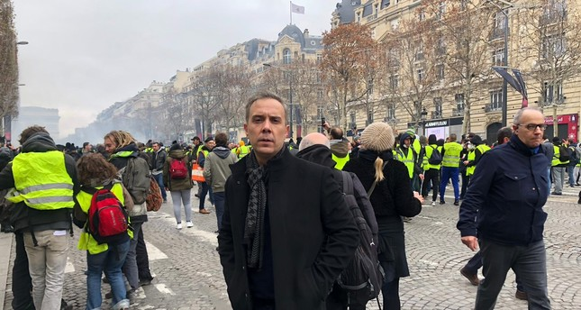 French people question Macron's ability to solve crisis
