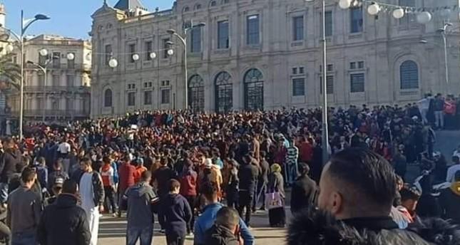 الجزائريون في الشوارع للجمعة الثانية على التوالي احتجاجا على ترشح بوتفليقة