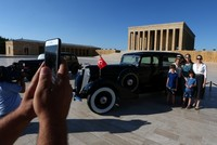 Atatürk's 1935 Lincoln goes on display at Anıtkabir after renovation
