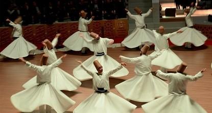 """pIm Jahr 2017 besuchten fast 50.000 Menschen die fesselnden """"Sama-Zeremonien, die von wirbelnden Derwischen in der türkischen Provinz Konya durchgeführt werden./p  pDie spirituelle..."""