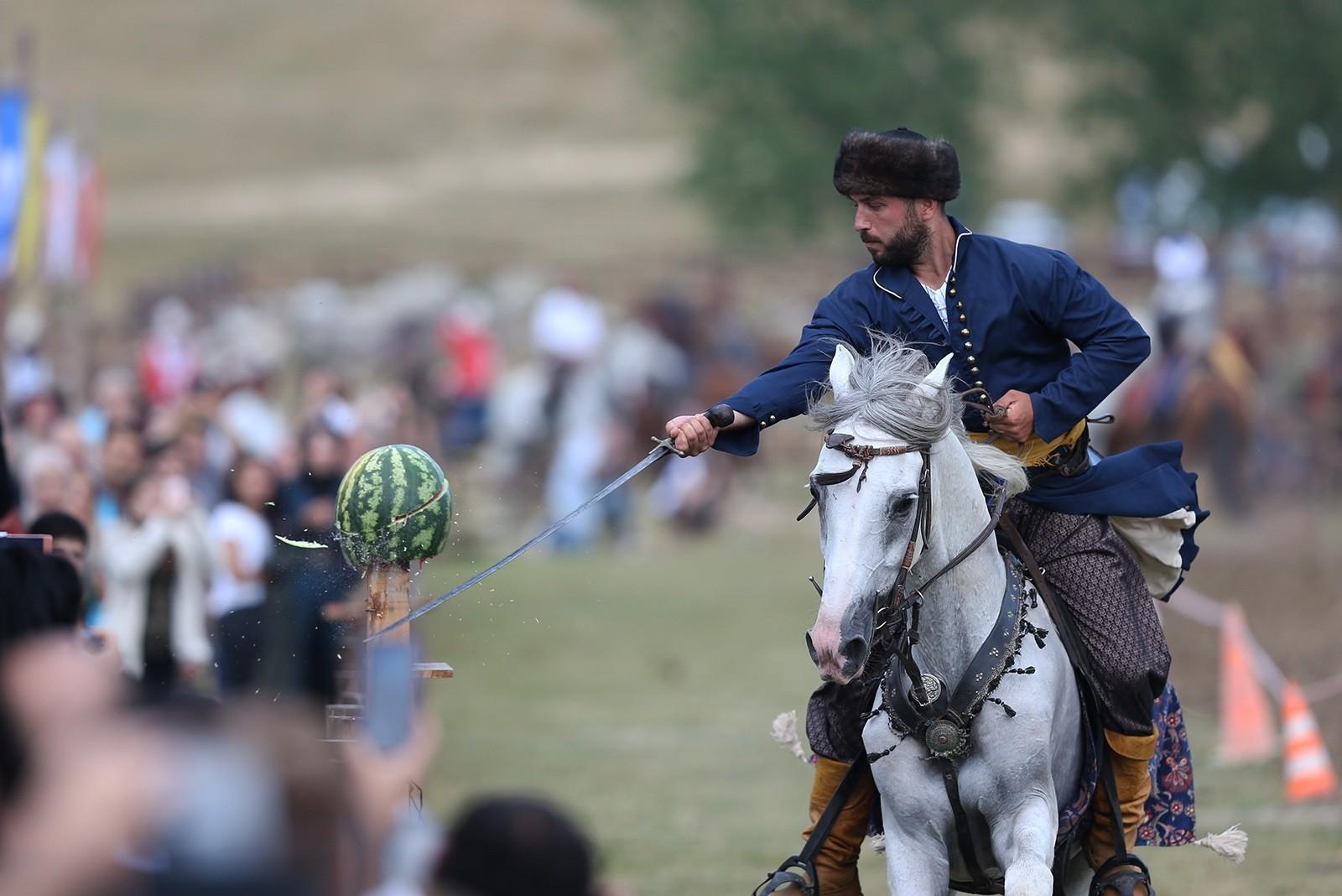 Традиционные виды спорта тюркского мира показали на фестивале в Бурсе