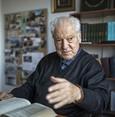 Renowned Turkish author Nuri Pakdil dies aged 85