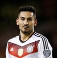 Gündoğan unlike Özil wants to keep playing for German national team