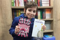 Reading and Rousseau: 10-year-old Turkish bookworm takes social media by storm with love of philosophy