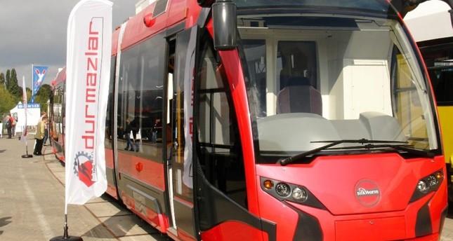 تركيا تصدر أول عربات ترام محلية الصنع إلى بولندا