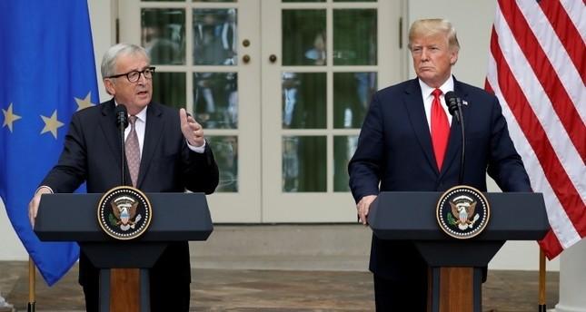 الرئيس الأمريكي ترامب خلال مؤتمر صحفي مشترك مع رئيس المفوضية الأوروبية، جان كلود يونكر (أسوشيتد برس)