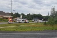 سيارات الإسعاف في مكان الحادث (رويترز)