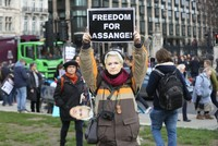 London protestors support Assange ahead of extradition hearing