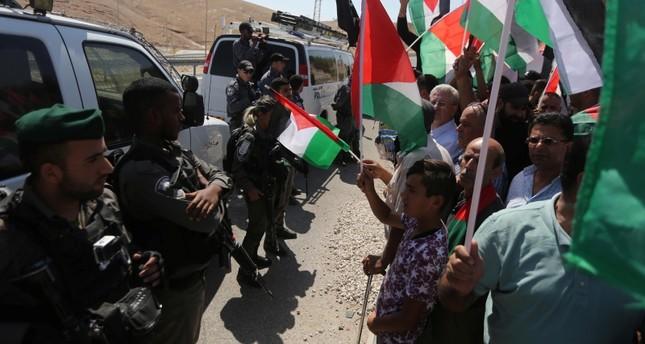 إسرائيل تطالب سكان الخان الأحمر بهدم منازلهم بأيديهم