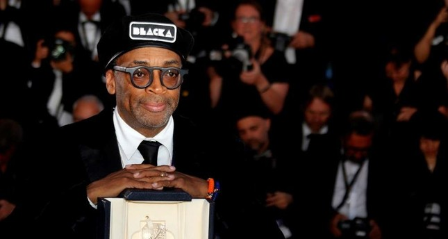 Director Spike Lee poses with Grand Prix Award at the closing ceremony of the 71st Cannes Film Festival on May 19, 2018. REUTERS Photo