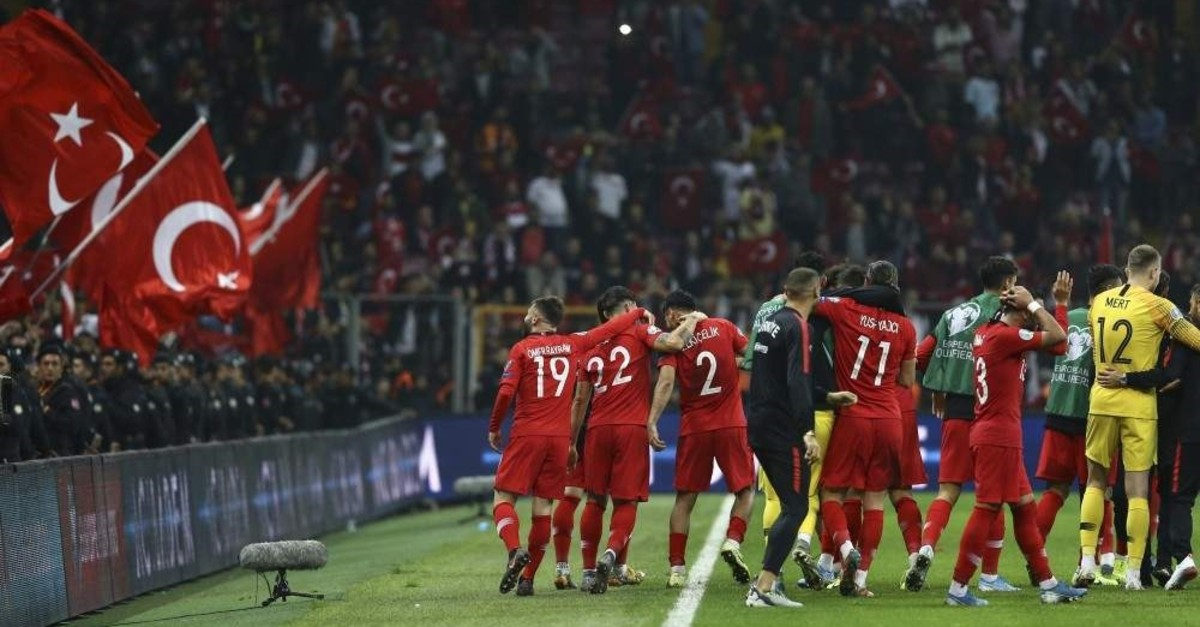 Turkey's players celebrate after the Euro 2020 qualifier Group H match between Turkey and Iceland in Istanbul, Nov. 14, 2019. (AA Photo)
