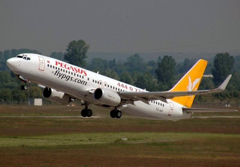 A Pegasus Airlines Boeing 737-800 performing take off at an unknown airport. (File Photo)
