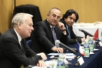 Foreign Minister Mevlüt Çavuşoğlu held a meeting on Syria with his French counterpart Jean-Marc Ayrault during his latest U.S. visit Tuesday.  The meeting was organized by Ayrault at the French...
