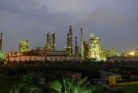Rosneft enters India with $13 billion Essar deal