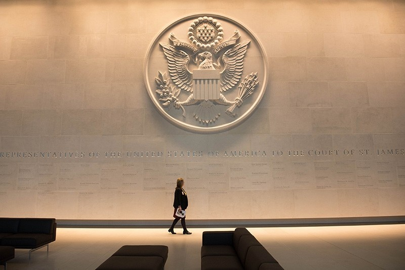 A general view shows the consular and visa section during a press preview of the United States Embassy building in central London on December 13, 2017. (AFP Photo)